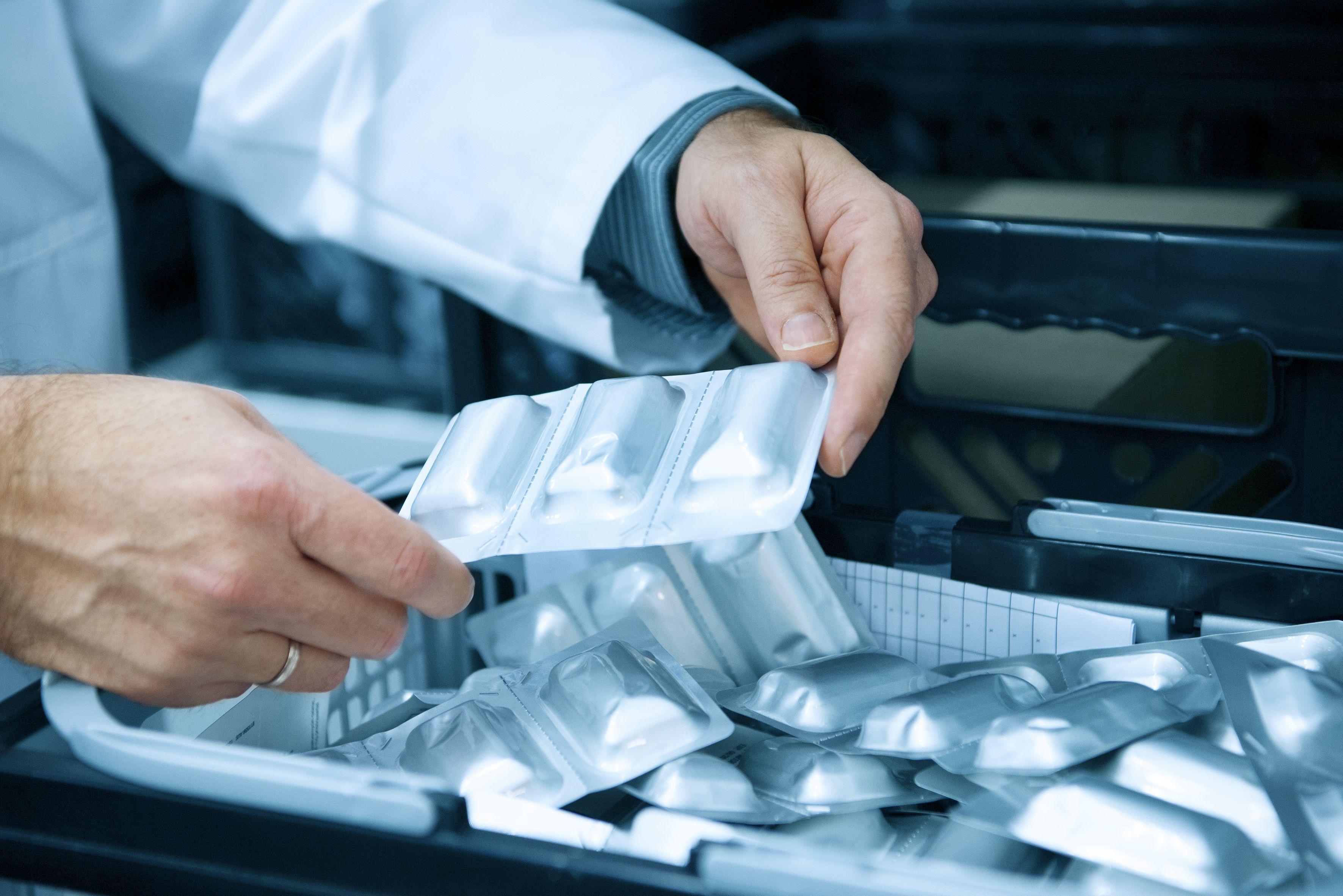 Stabilitätsprüfungen in der Medikamentenentwicklung: Enge Kooperation zwischen Labor/Pharmaunternehmenhier im Bereich Stabikammern